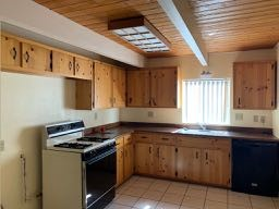 9-ab-home-kitchen